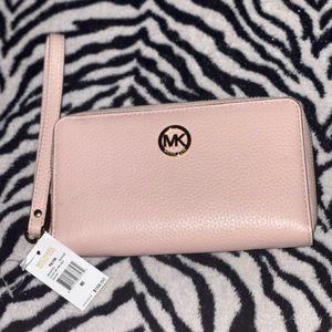✨NWT✨ Michael Kors Wallet